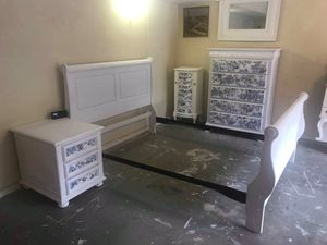 Four piece full size bedroom set—PLEASE READ THE AD BEFORE ASKING QUESTIONS for Sale in Lilburn, GA