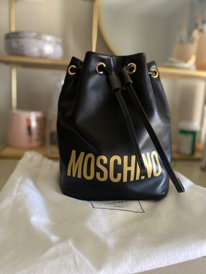 Moschino bucket bag designer bag women's purse wristlet crossbody bag for Sale in Downey, CA