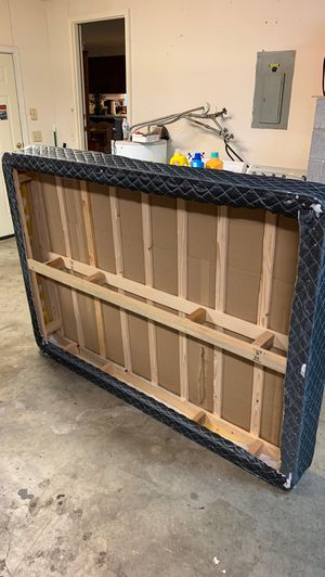 Full size box spring for Sale in St. Helens, OR