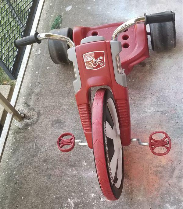 "Radio Flyer Deluxe Big Flyer Tricycle, 16"" Front wheel"