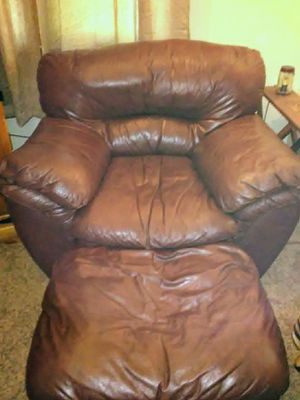 Soft leather chair. for Sale in Galion, OH