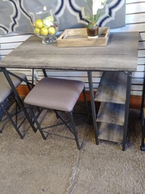 Table and chairs for Sale in Philadelphia, PA