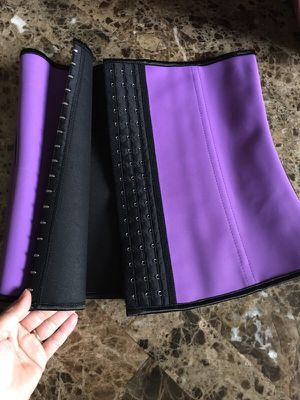 Size LARGE latex waist trainer cincher for Sale in Maricopa, AZ