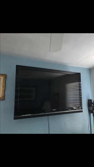 52 inch SONY BRAVIA WITH REMOTE for Sale in El Cajon, CA