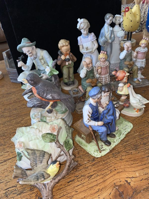 TRADE for?.. goebel hummel figurines, Norman Rockwell, Lladro. Mixed Set. Collectors, Ceramic, porcelain rare. Or trade for??