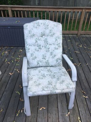 6 patio chairs with cushions please read description for Sale in Lincoln, RI