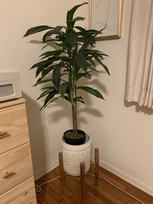 4 ft faux Dracaena for Sale in Los Angeles, CA