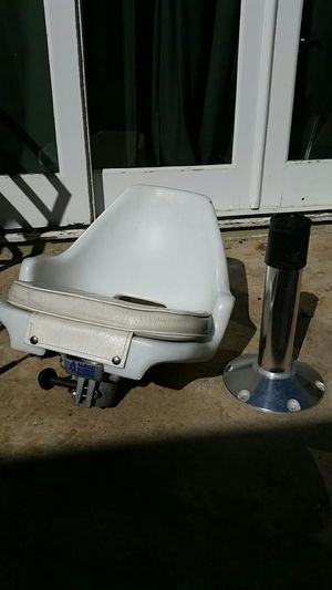 Boat seat , pad , and stainless steel post. for Sale in Huntington Beach, CA