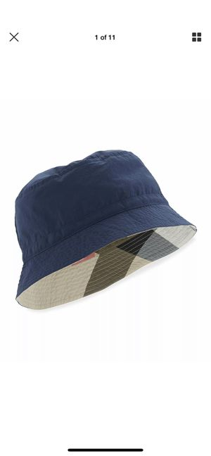 New Burberry boys blue bucket plaid hat size small for Sale in Buena Park, CA