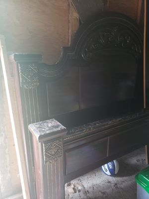 King bed frame/matching nightstands for Sale in Spencerport, NY
