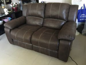 Electric recliner loveseat for Sale in Cape Coral, FL
