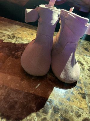 Girl lil boots for Sale in Lexington, NC