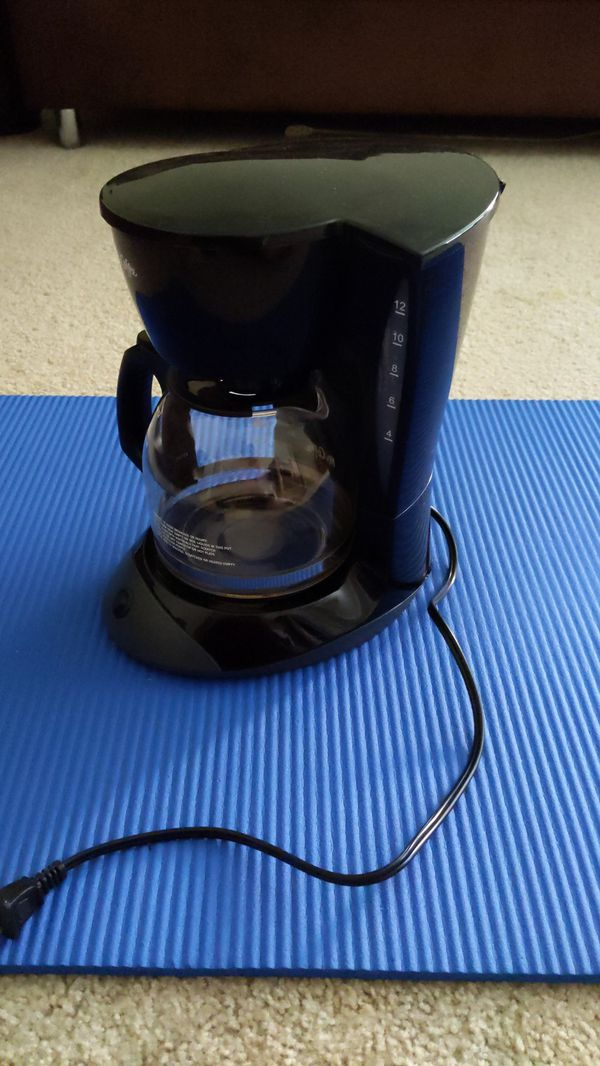 Mr. Coffee 12 cup Simple Brew Coffeemaker. Works perfectly as designed.