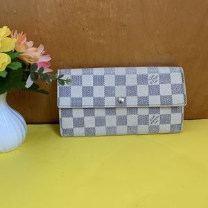 Authentic Louis Vuitton damier azur wallet ❤️ for Sale in Omaha, NE