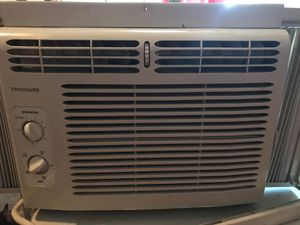 5000 BTU air conditioner in very good condition blows very cold air for Sale in Washington, DC