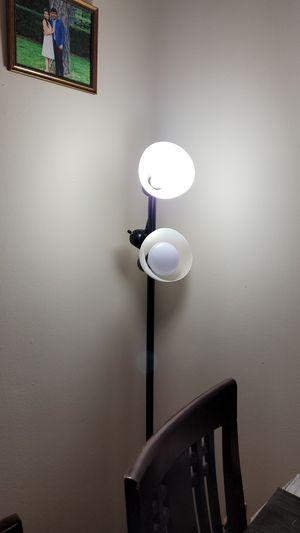 3 bulb floor lamp for Sale in Edison, NJ