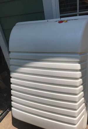 Carrier white. Porta equipaje for Sale in Durham, NC