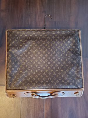 Louis Vuitton garment bag for Sale in Fort Lauderdale, FL