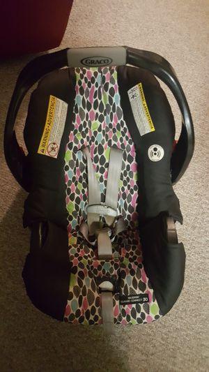 Graco snugride car seat for Sale in Orlando, FL