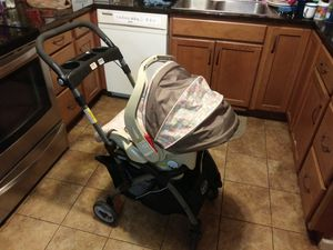 Graco Baby stroller with the attatched car seat for Sale in Seattle, WA