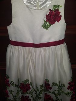 Girls 2T Dress for Sale in Pompano Beach,  FL