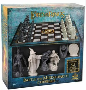 Lord Of The Ring Chess Set Battle for Middle-Earth New Noble Collection Set LOTR for Sale in Garden Grove, CA