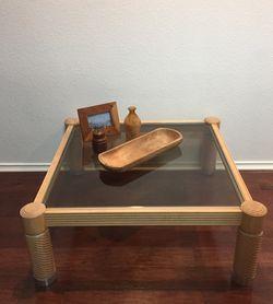 Coffee Table / Wood Table / Coffee Table wood/ Coffee Table glass/ Table / Tables / Wood Table / mesa de café/ Mesa de cafe / Mesa de centro de made for Sale in Del Valle,  TX