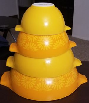 Vintage Pyrex Sunflower Daisy Orange Yellow Flower Cinderella Mixing Nesting Bowl Set for Sale in Spring Valley, CA