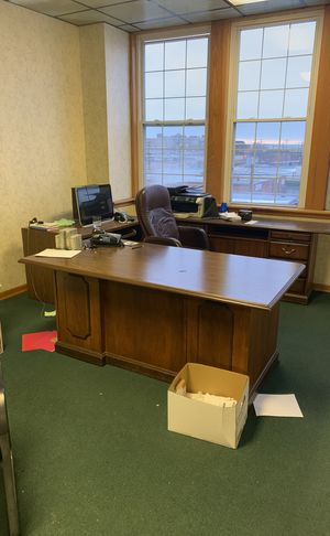 Desk and office equipment for Sale in Cleveland, OH
