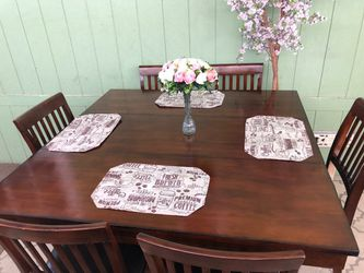 Height Pub Counter Dinning Table 6 Chairs for Sale in Norwalk,  CA