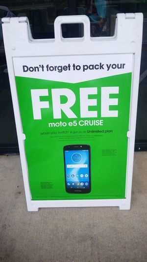 FREE Moto e5 Cruise! for Sale in Mary Esther, FL