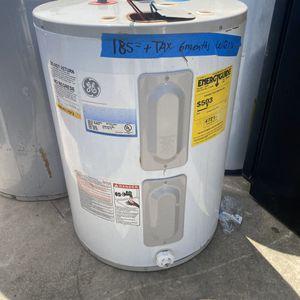 low boy water heater 2lo3735557 40 gal for Sale in San Antonio, TX