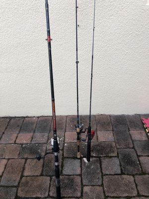 Finshing poles and reels. Fishing reels need a little TLC . for Sale in Orlando, FL