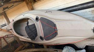 vendo kayak tiene una reparación for Sale in San Jose, CA