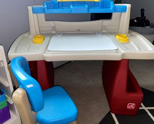 Step 2 children's desk for Sale in Langhorne, PA