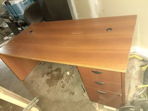 2 Desks Free just pick up for Sale in Houston, TX