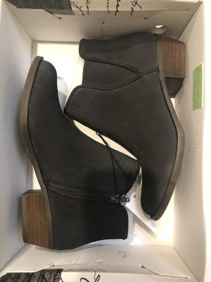Kensie Ladies' Short Suede Boot - Sizes 7.5 or 8 - NEW!! for Sale in Bellflower, CA