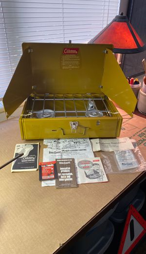 Camp stove Coleman two burner model 425E for Sale in Tampa, FL