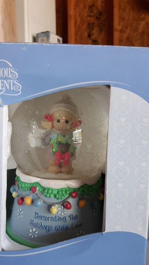 Precious moments holiday globe for Sale in Roxana, IL
