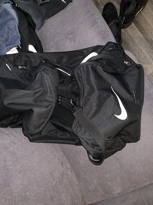 Nike (Extra Large) Duffle Bag for Sale in Charlotte, NC