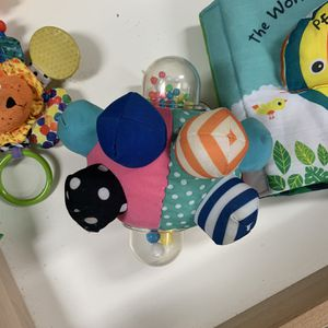 Cloth Baby Toys for Sale in Long Beach, CA