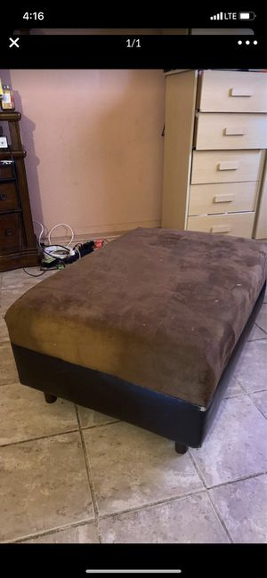 Ottoman For Living room 20$$$Serious Buyers for Sale in Banning, CA