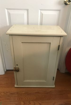 Small cabinet for Sale in Vienna, VA