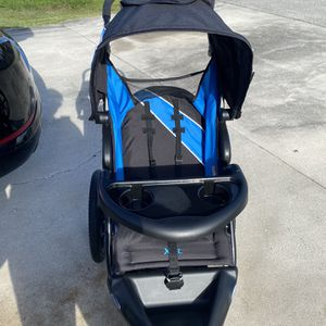 Baby Stroller Good Condition for Sale in Stuart, FL
