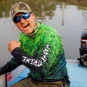 MadMen Gar Performance Fishing Shirt for Sale in Houston, TX
