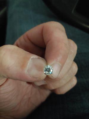 Diamond earring, never worn for Sale in Las Vegas, NV