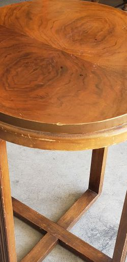 End Table for Sale in Leona Valley,  CA