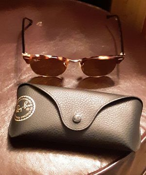 Ray-Ban ClubMaster Fleck Sunglasses for Sale in Saucier, MS