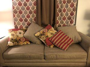 Large sofa for Sale in Mount Pleasant, MI