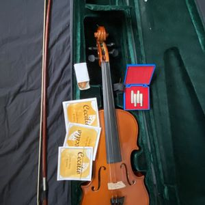 Violin With Full Accessories And Hard Shell Pitch Pipes Extras for Sale in Miami, FL